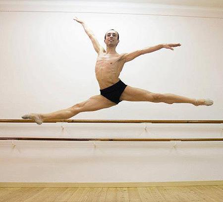 Entrevista al profesor y bailar�n  Jose Ma. L�pez