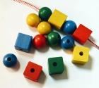 Bolas y cubos de madera para enlazar ( 60 piezas)
