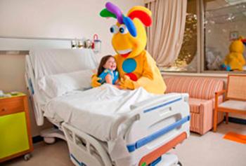 Integración de actividades lúdicas para la estimulación del lenguaje en pacientes hospitalizados.