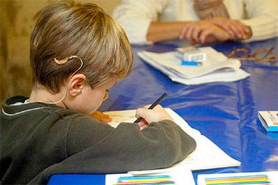 Atención pedagógica de niños hipoacúsicos implantados: El consultorio privado como ámbito para colaborar en el sostenimiento de trayectorias escolares integrales (Parte II)