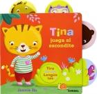 Tina juega al escondite.