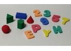 Letras, números y figuras geométricas de foam